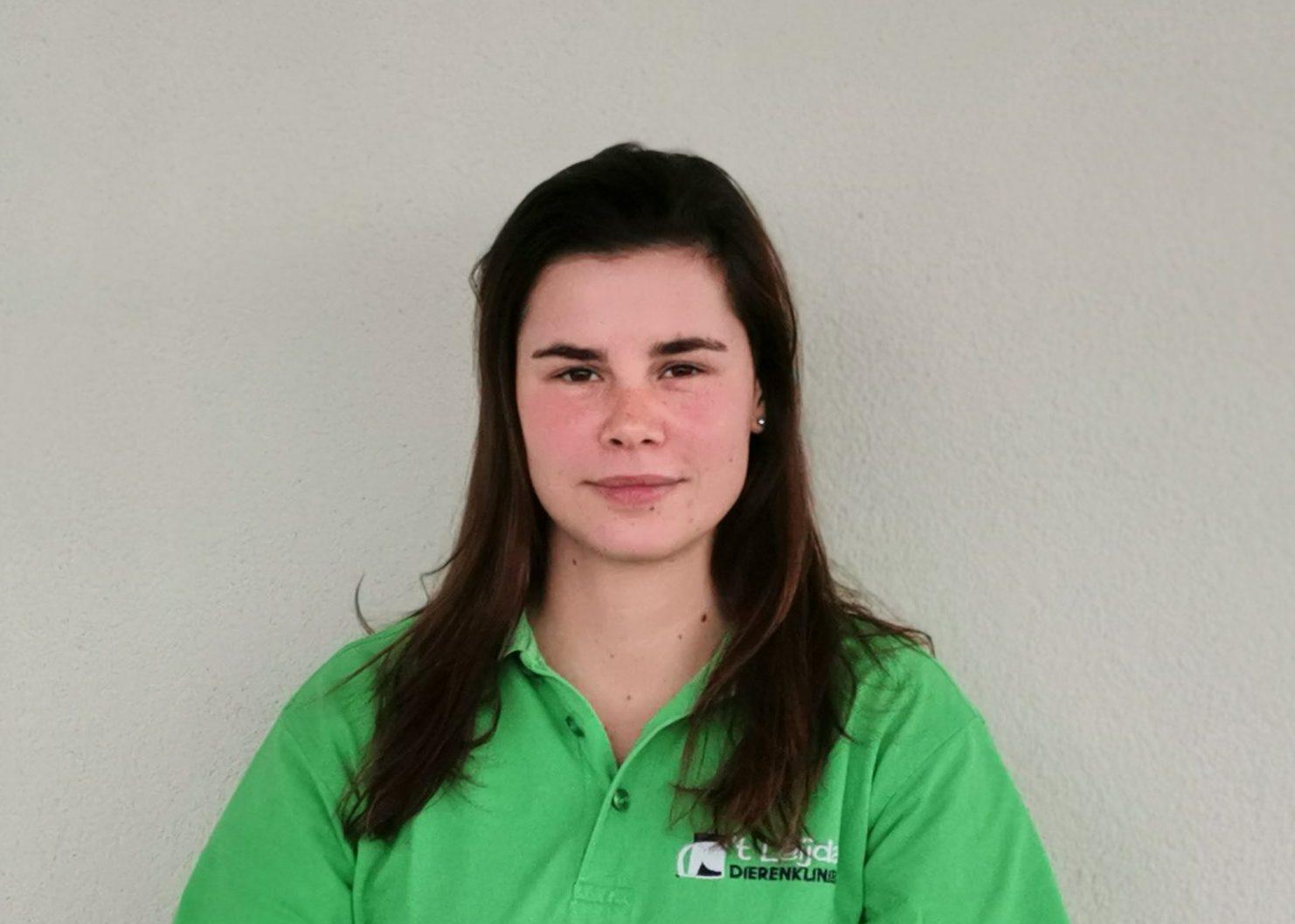 Claudia Van Bavel